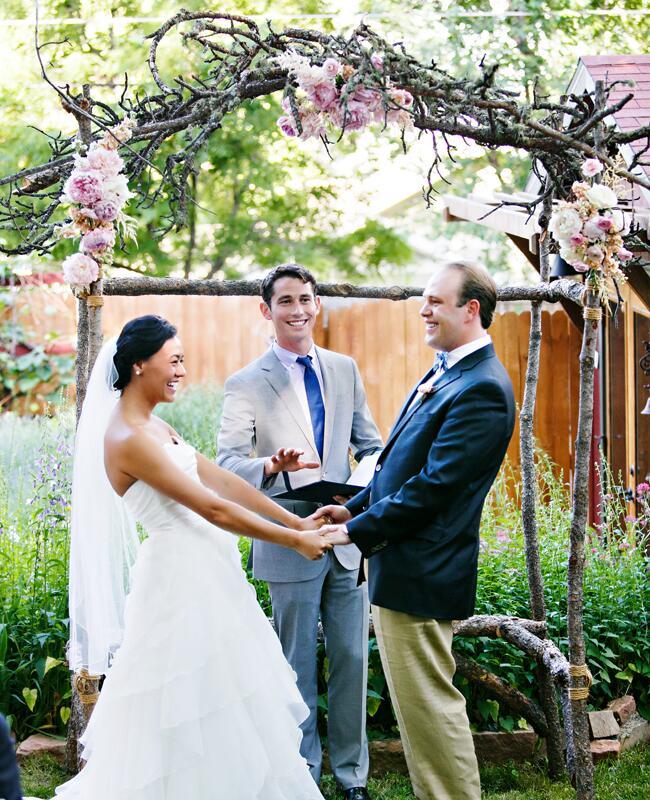 Woodland wedding ceremony backdrop: Frances Photography / TheKnot.com