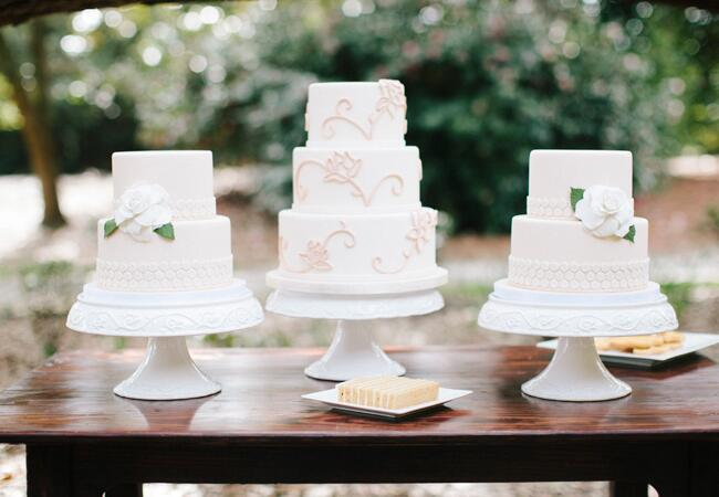 Photo: Millie Holloman Photography // Featured: The Knot Blog
