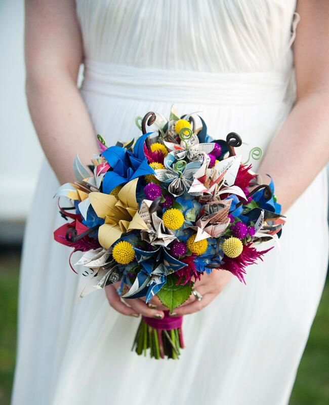 Flower Bouquet Alternatives // Paper Bouquet // The Knot Blog