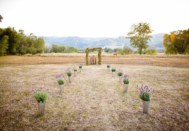 Photo: Carla Boecklin Photography // Featured: The Knot Blog