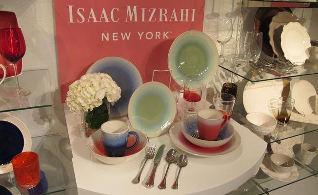 Isacc Mizrahi dinnerware