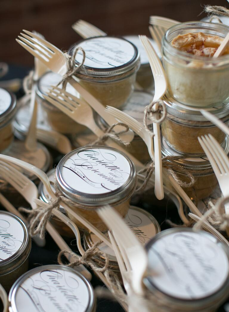 Mini apple pie in a jar wedding favors