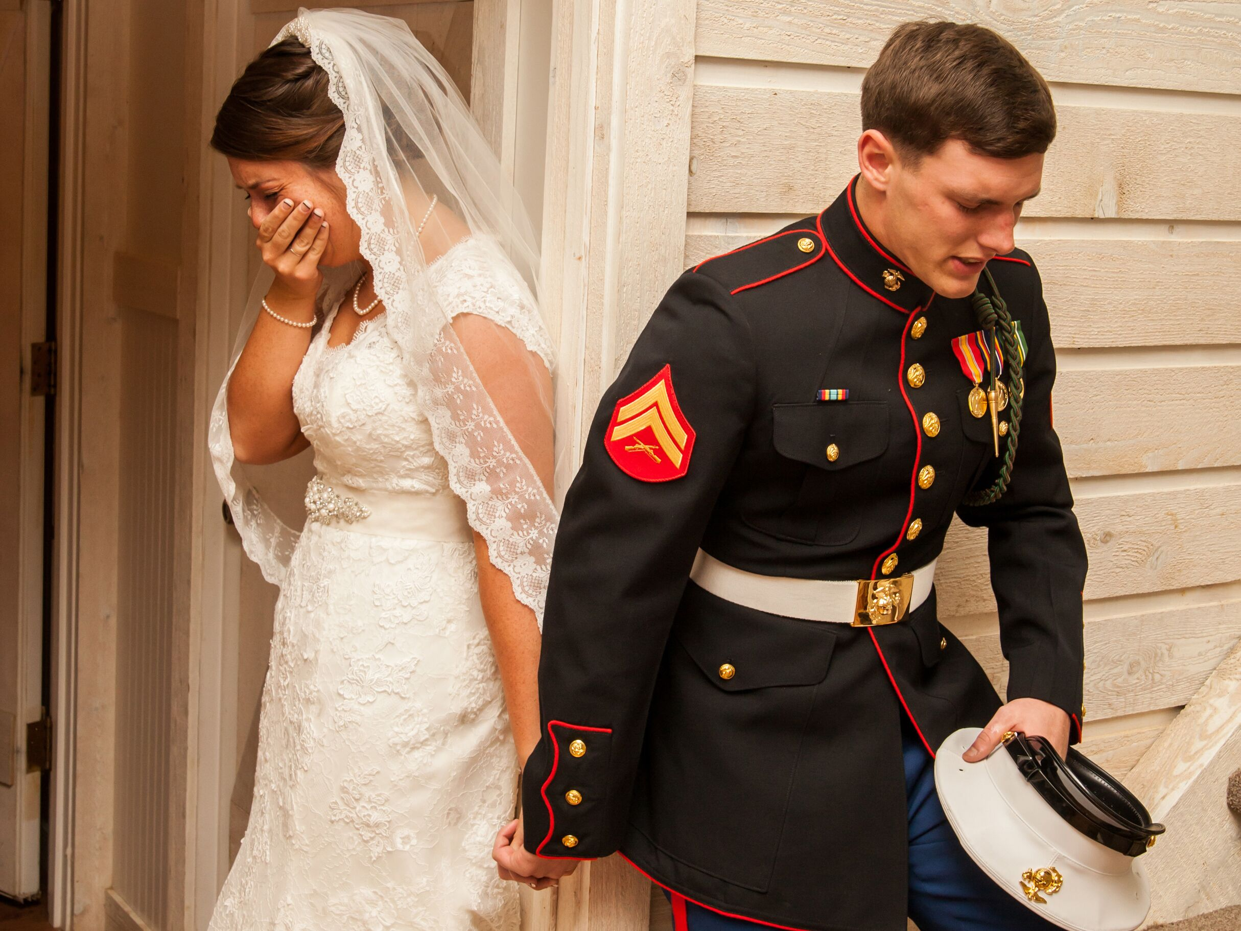 the real reasons this marine s wedding photo went viral