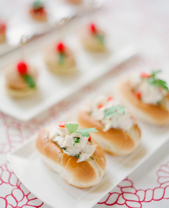 Lobster Roll: KT Merry Photography / TheKnot.com