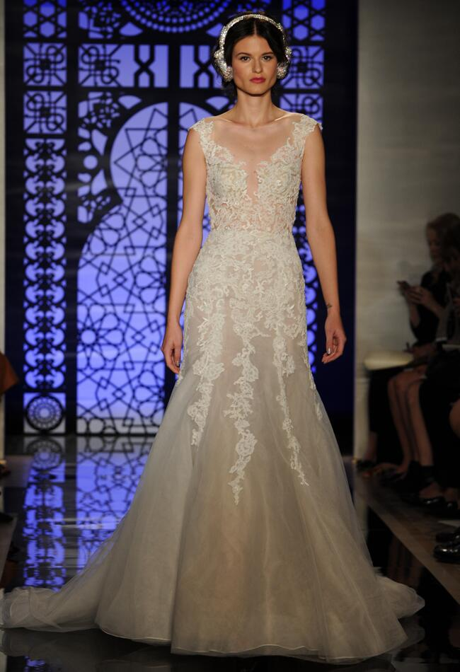Reem acra fall 2016 collection wedding dress photos for Reem acra lace wedding dress