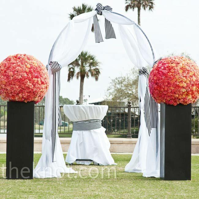 Beach Wedding Altar Ideas: Outdoor Altar Decor