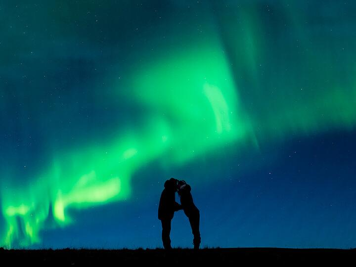 kiss under the northern lights