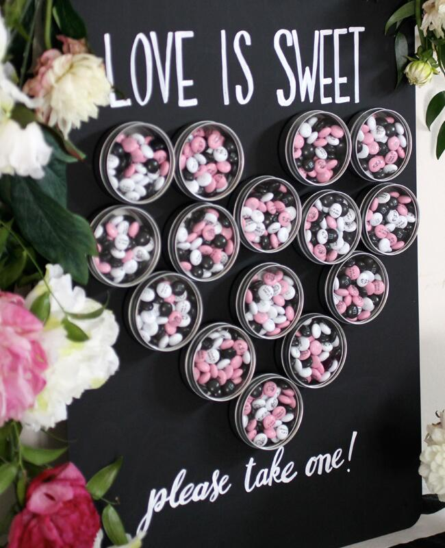 DIY wedding favor magnet board | Jessica Bailey, Evite | blog.theknot.com