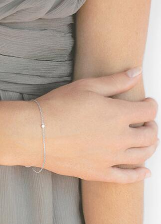 Bracelet Bridesmaid Gift | Vrai & Oro | blog.theknot.com