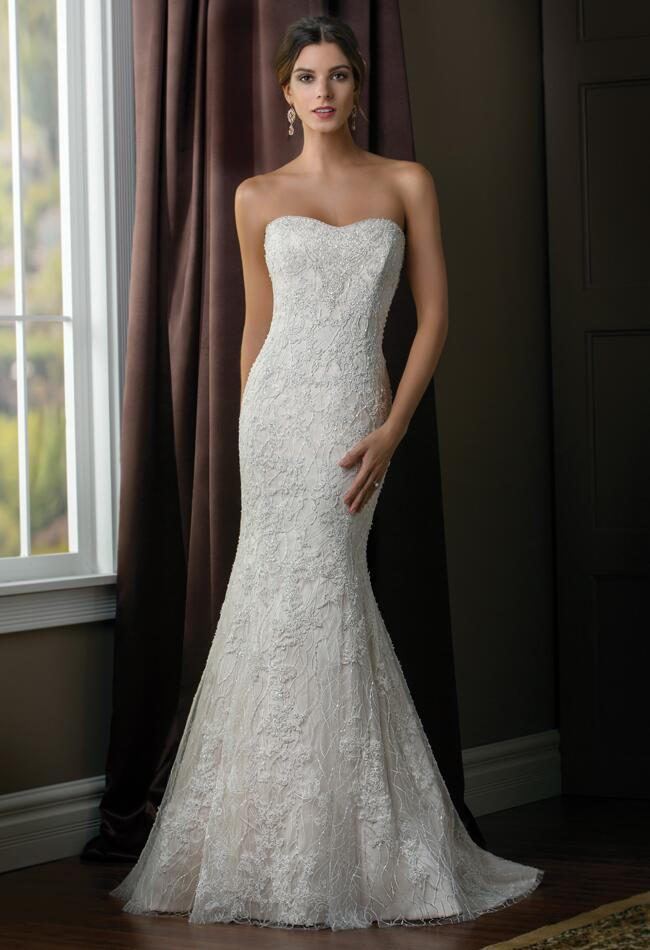 Hollywood Glamour Style Wedding Dresses : Make each dress eye catching see every from the collection below