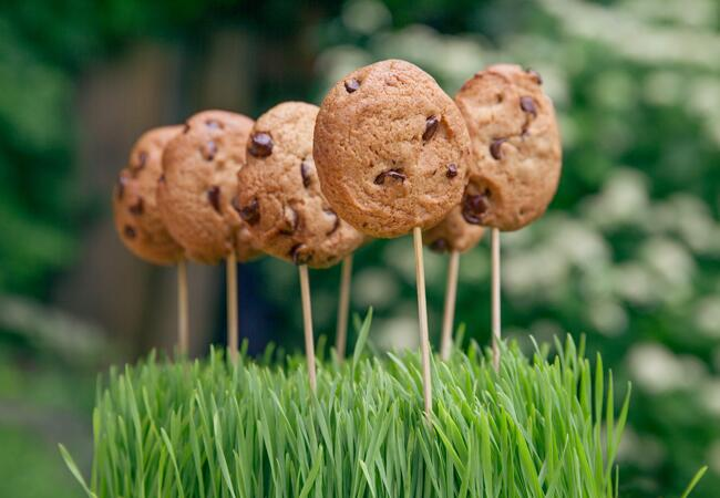 Chocolate chip cookie lollipops for your bridal shower: Elegant Affairs / TheKnot.com