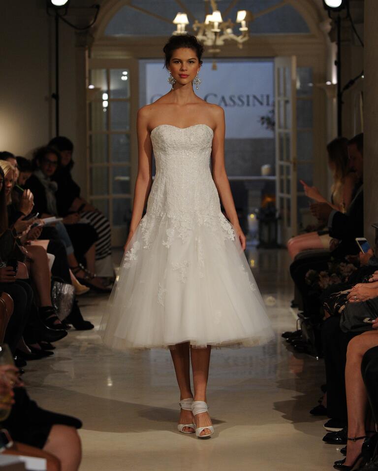 Oleg cassini fall 2016 collection bridal fashion week photos for Oleg cassini wedding dress tea length
