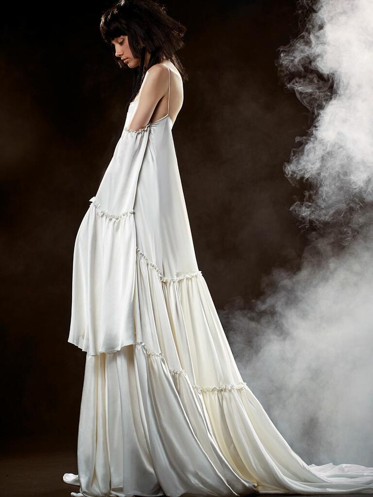 Vera wang spring 2018 collection bridal fashion week photos for Vera wang style wedding dress