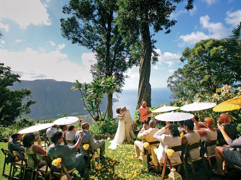 Top 13 Destination Wedding Tips