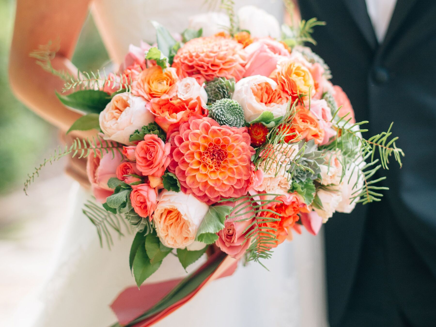 Wedding Flower Guide With Season Color And Price Details