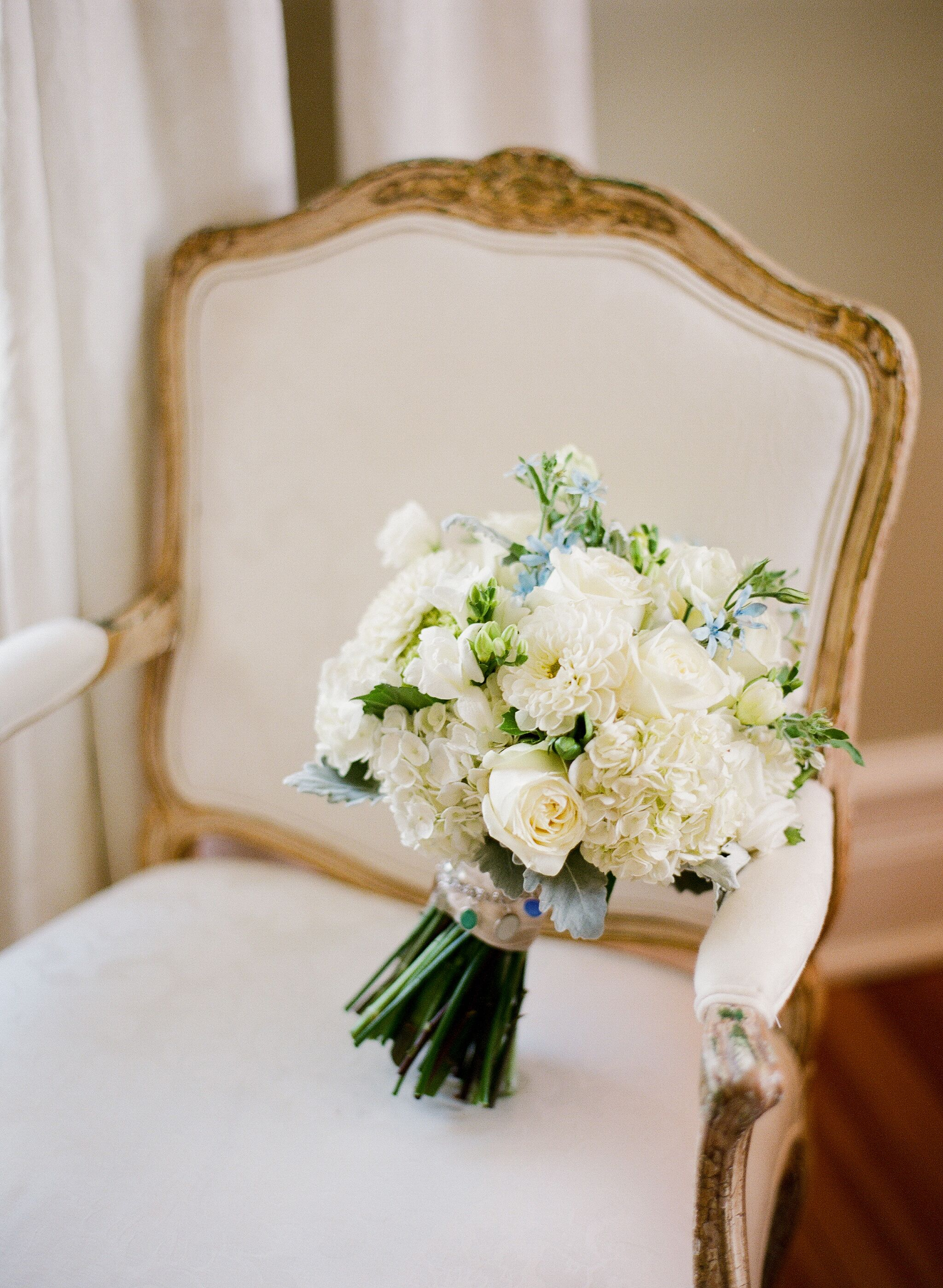how to preserve your bouquet wedding flower bouquets