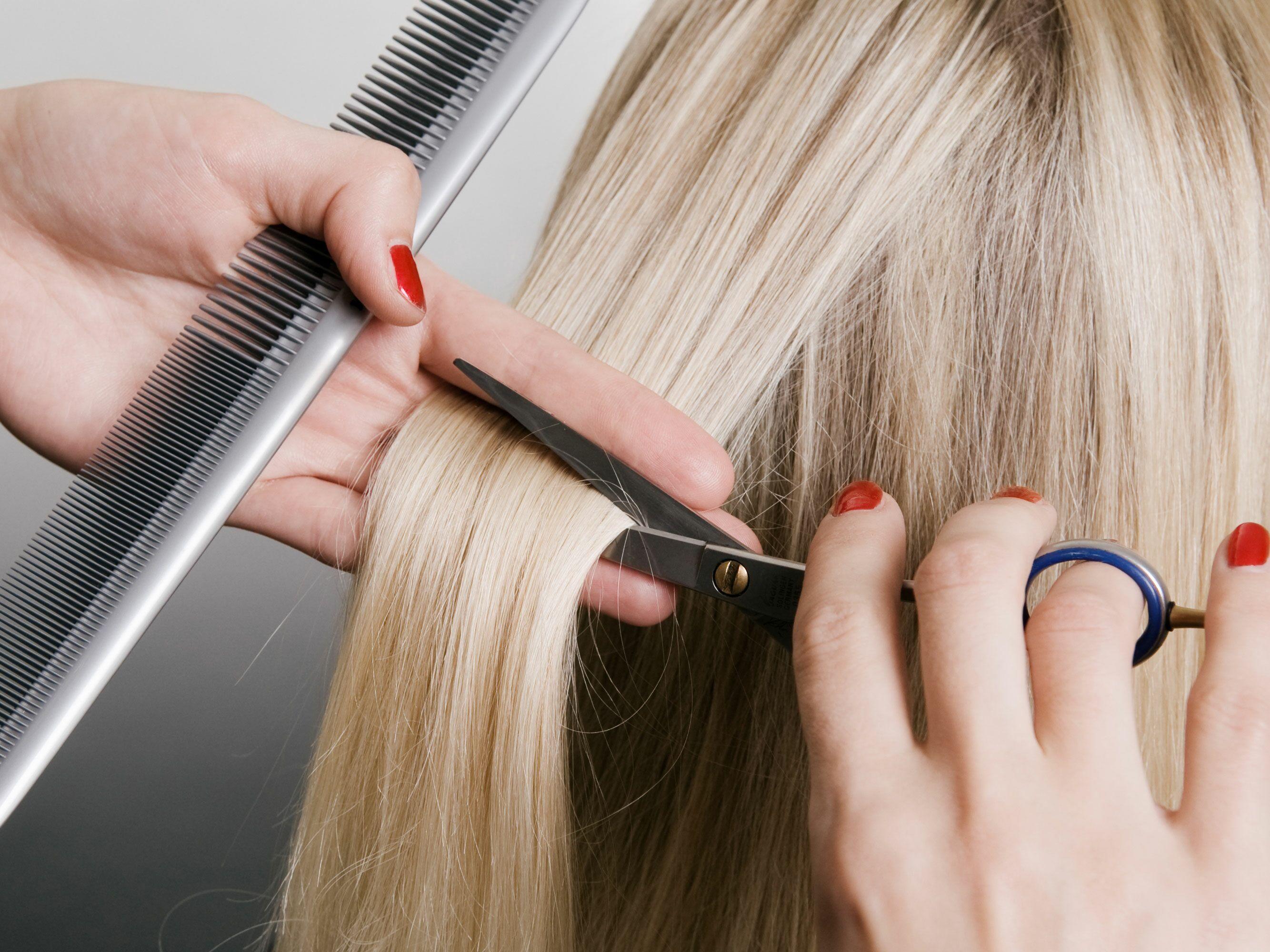 Когда лучше подравнивать кончики волос