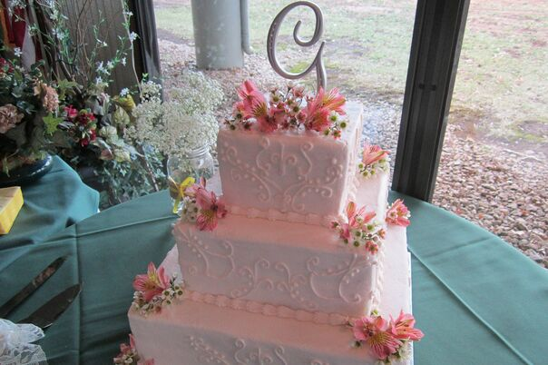 Wedding Cakes Desserts In Kansas City Mo The Knot