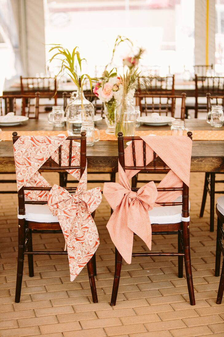 Декор стульев на свадьбу своими руками
