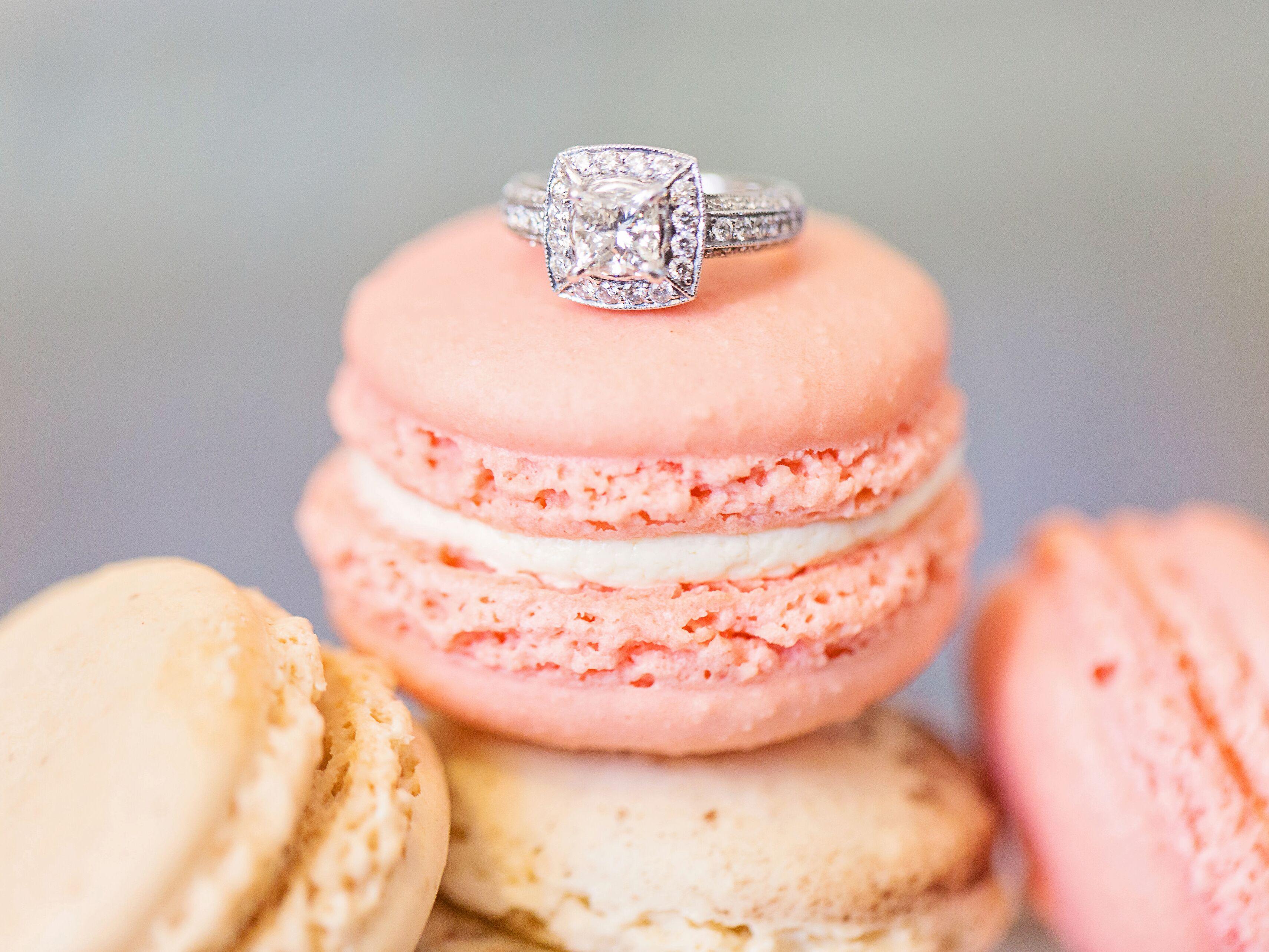 Resultado de imagem para macaron wedding