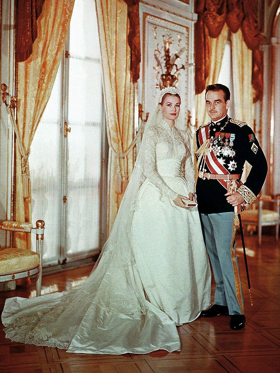The 54 Best Celebrity Wedding Dresses of All Time 7dc4e4f3ec8f