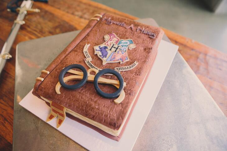Hogwarts: A History Harry Potter groom's cake