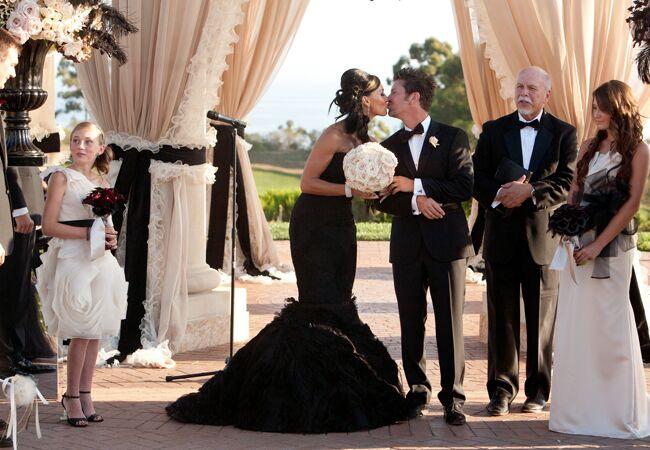 Cheap Black N White Wedding Dresses: A Rock 'n Roll Wedding (With A Black Wedding Dress