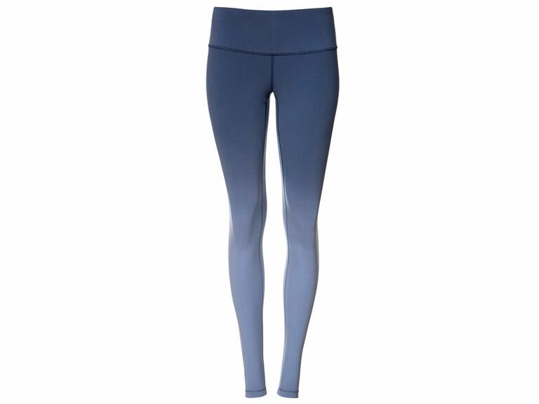 Blue ombre leggings for a winter weather honeymoon