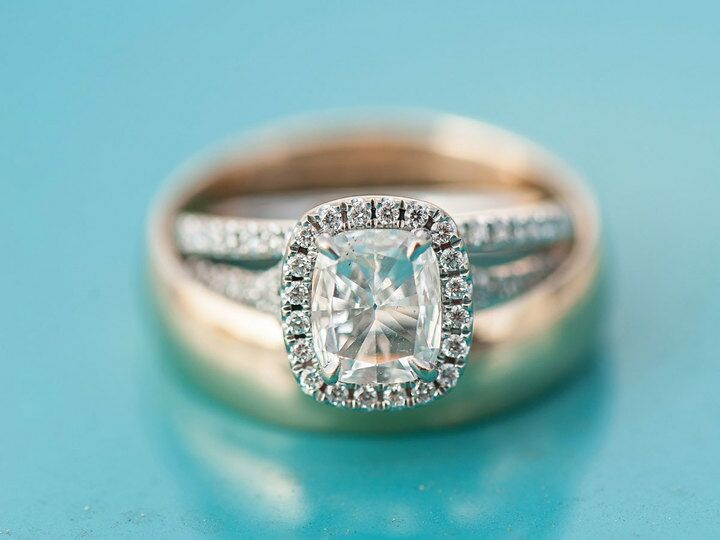 670e315e63668 Dos and Don'ts of Engagement Ring Shopping