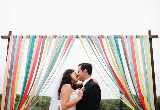 DIY ribbon wedding decor: Ala Cortez / TheKnot.com