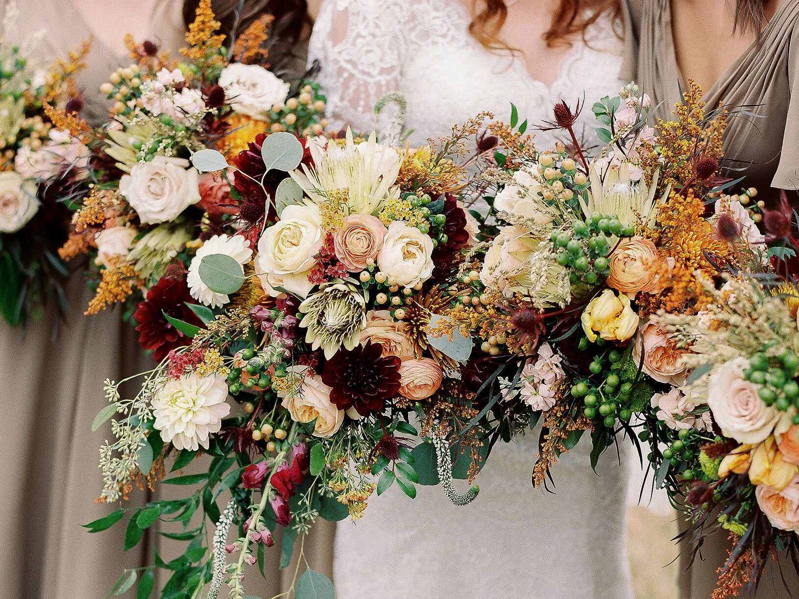 416ea382bbd Here Are 10 of the Most Popular Wedding Flowers Ever