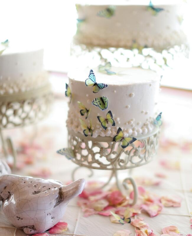 Butterfly Wedding Ideas Are Back | Photo: J. Anne Photography