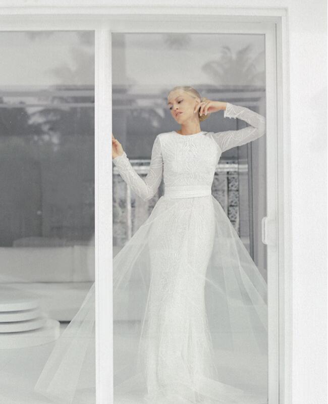 the-knot-monique-lhuillier-wedding-dress