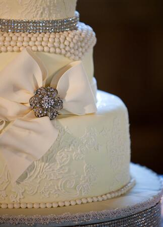 Wedding Cake Bow // John & Joseph Photography // Planner: Details Details // Location: Ponte Winery
