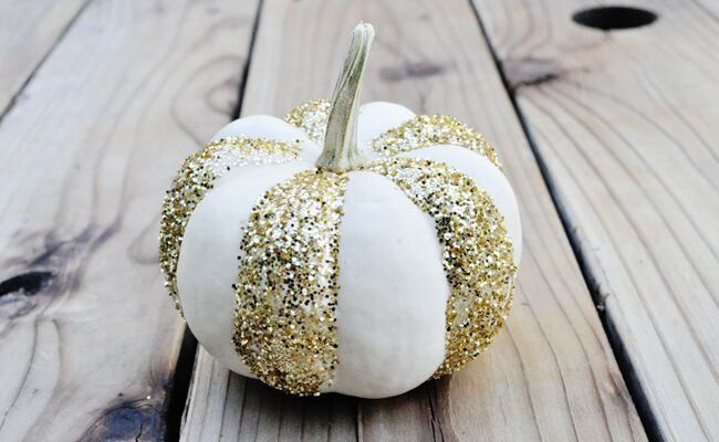 15 diy pumpkin decorating ideas youll love - Decorating Pumpkins For Christmas Ideas