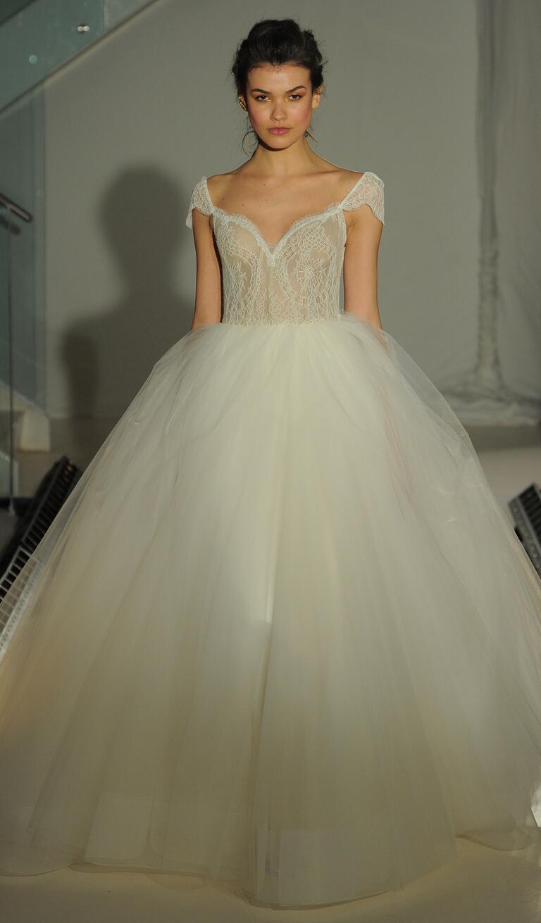 Jim Hjelm 2018 Long Sleeve Lace Wedding Dress 8211