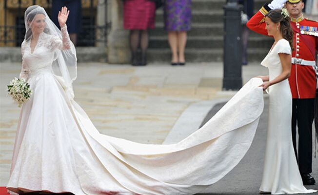 Controversy Ignited By Kate Middleton S Wedding Dress On Wikipedia