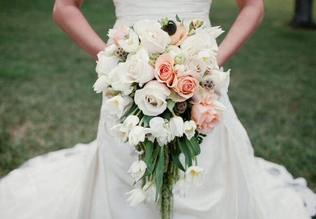 Photo: Lovella Photography // Featured: The Knot Blog