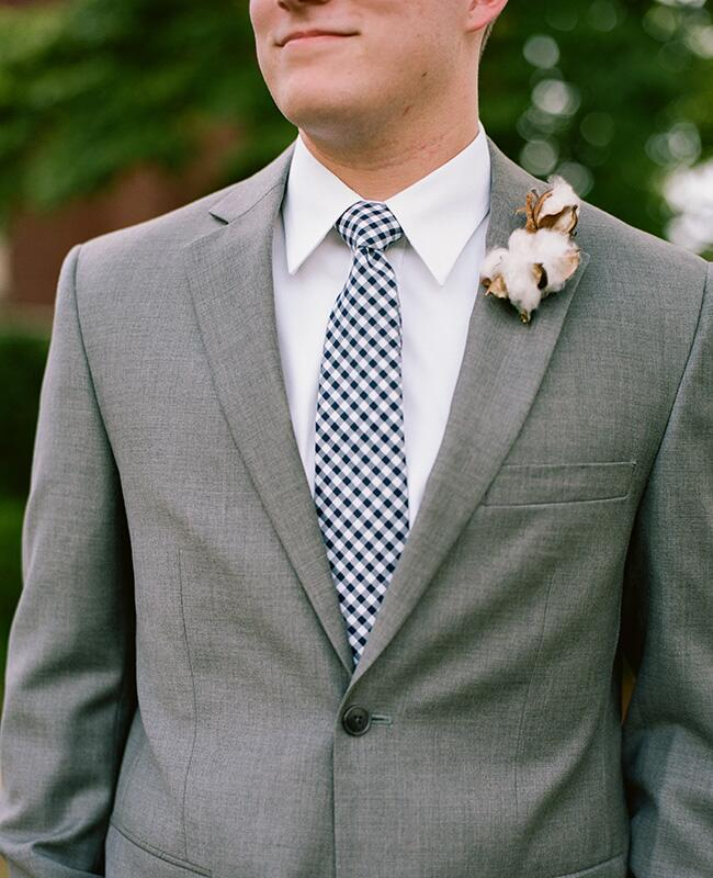 cotton boutonniere |<img class=