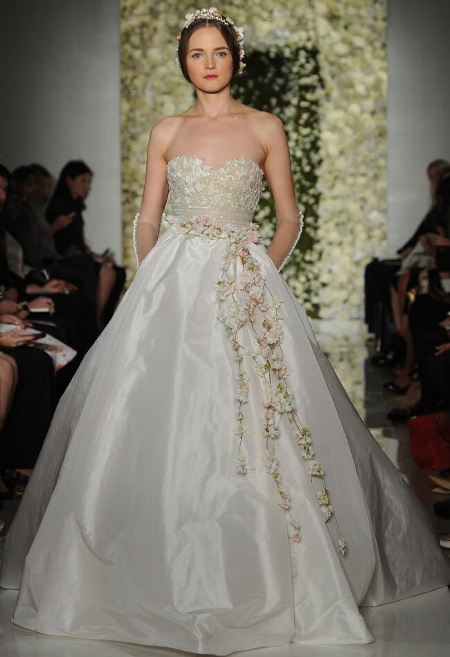 Reem Acra Wedding Dresses Fall 2015 | Maria Valentino/MCV Photo | Blog.theknot.com