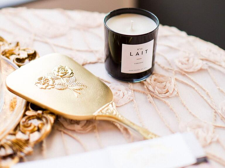 Lait candle and cake server