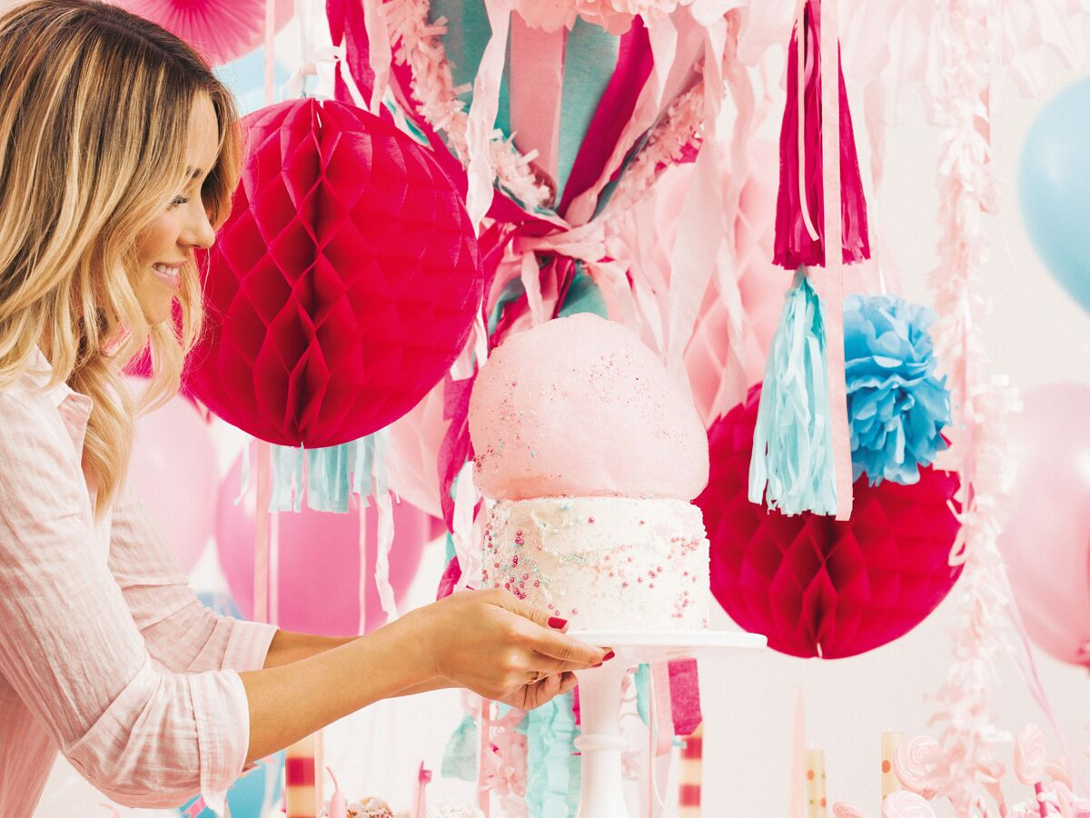 Lauren Conrad     s New Book Will Make You a Party Pro The Knot