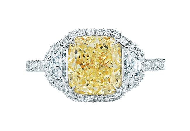 yellow diamond/Kwiat/The Knot blog