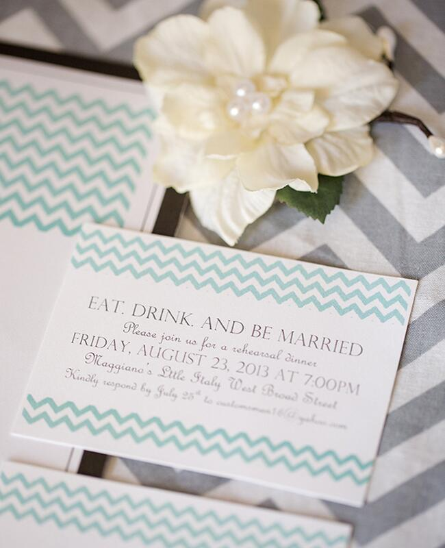 Green Invites: Katelyn James Photography / TheKnot.com