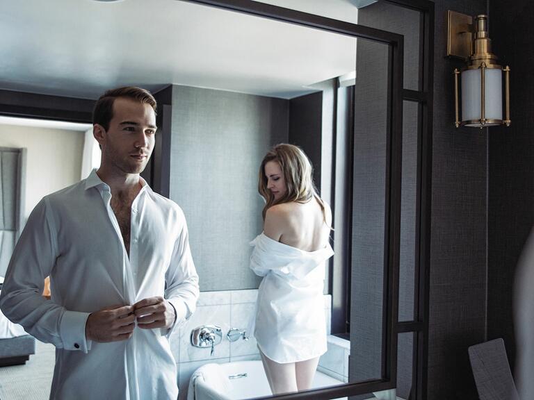 'Fifty Shades Darker'–Themed Wedding Photos