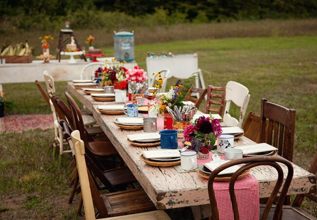 Recycled Can Centerpieces and Tin Plates