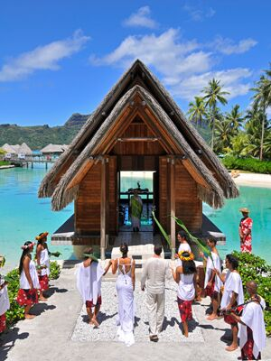 Top 8 places to marry in tahiti tahiti weddings intercontinental bora bora resort thalasso spa junglespirit Choice Image