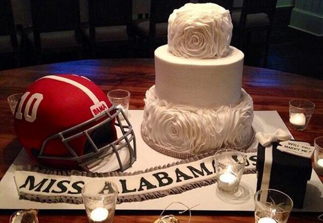 Cake: Katherine Webb / TheKnot.com