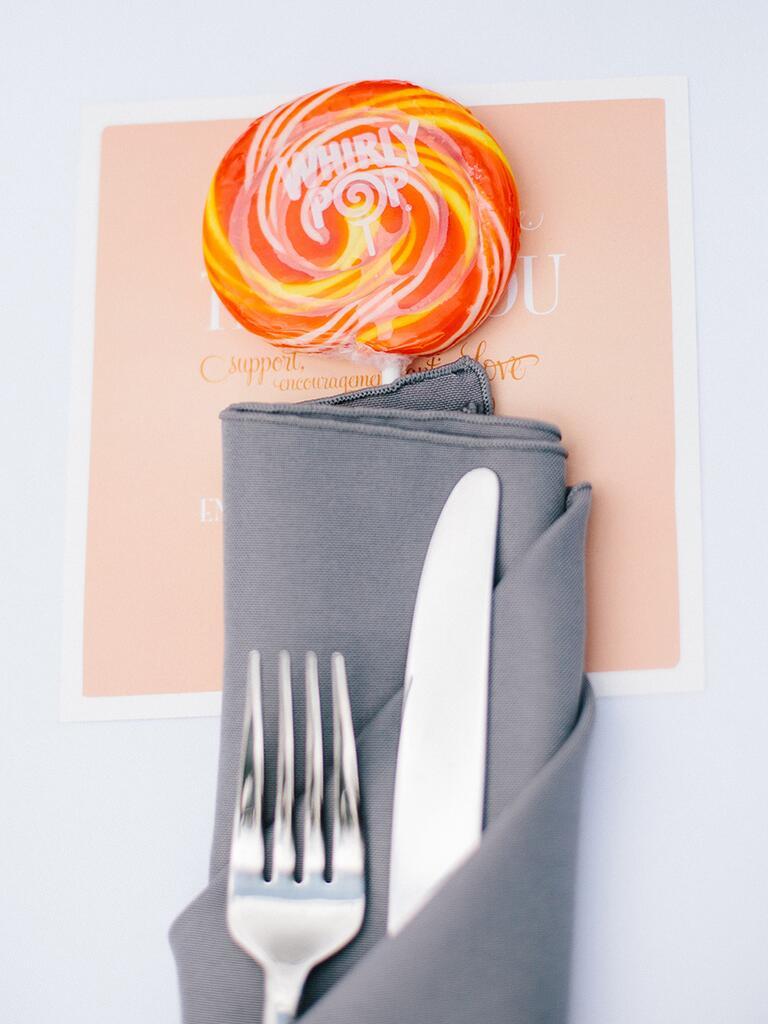 Creative edible wedding favor idea