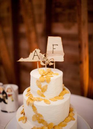 Personalized State Decor: Lauryn Galloway Photography / TheKnot.co